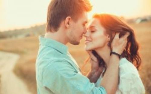 Влюбленный мужчина нервничает. Психология влюбленного мужчины и невербальные признаки того, что он хочет женщину