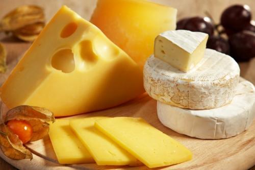 Обезжиренный сыр калорийность. Список нежирных сыров