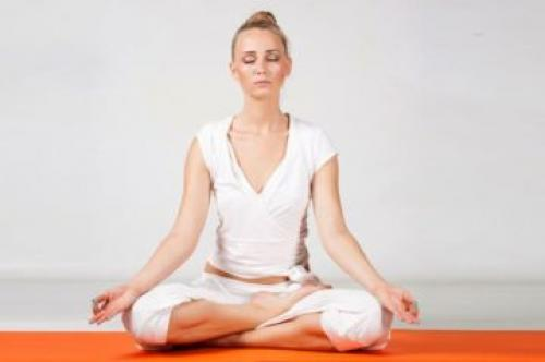 Ардха Падмасана техника выполнения. Секреты позы полулотоса и советы. Ардха Падмасана идеальна для начинающих медитацию
