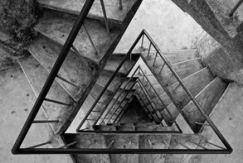 Боязнь лестниц название. Климакофобия – боязнь лестниц