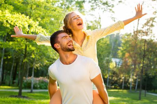 Как мужчина чувствует, что это его женщина. Что чувствует любящий мужчина: признаки любви