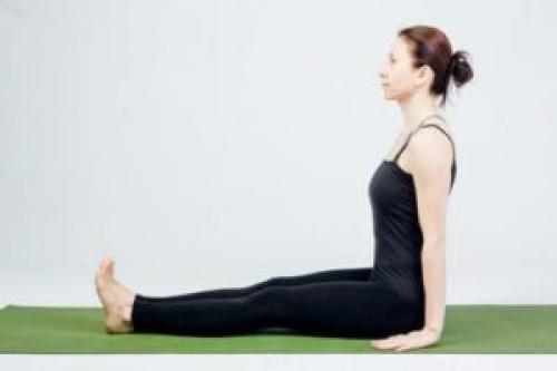 Поза посоха Дандасана – подробное описание для правильной практики йоги