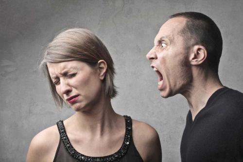 Что делать если муж постоянно оскорбляет. Что делать, если муж оскорбляет