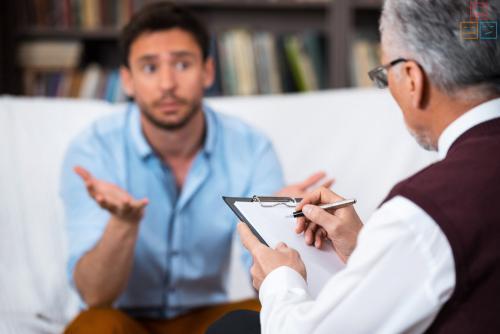Какой врач лечит панические атаки