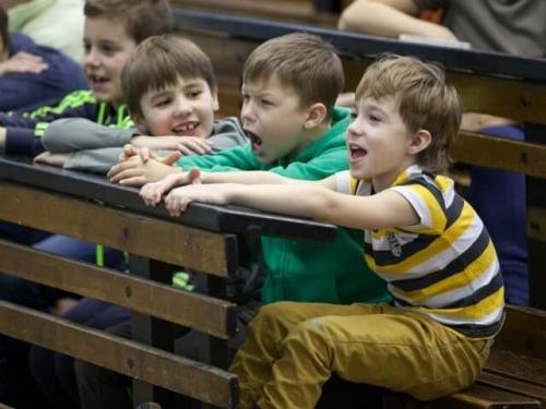 Поведение ребенка в 7 лет воспитание. Как должны вести себя родители с ребенком возрастом 7-8 лет