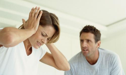 Если муж оскорбляет и унижает жену, что делать. Причины семейной тирании