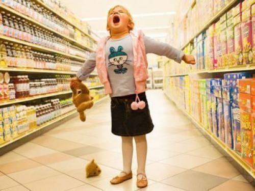 Ребенок устраивает истерики по любому поводу. Причины истерик у детей
