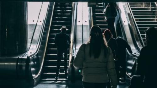 Боязнь эскалатора в метро лечение. Боязнь эскалатора (эскалофобия): методы лечения