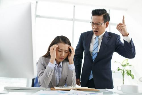 Что делать если начальник орет оскорбляет и унижает