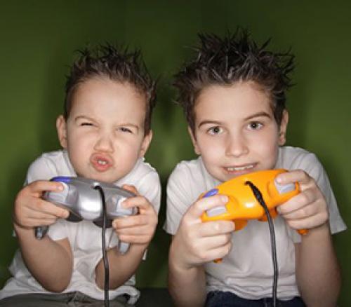 Что происходит с детьми которые играют в компьютерные игры. Вред или польза?