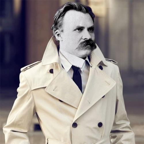 Стою в пальто белом красивая. К фразам Ницше стоит мысленно приписывать: Один я умный в белом пальто стою красивый