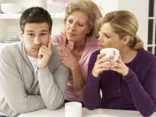 Патологическая ревность свекрови. Что делать, когда свекровь ревнует своего сына к невестке