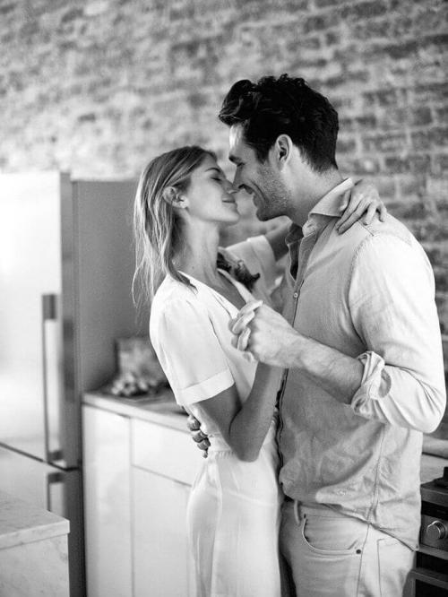 Как мужчина понимает, что любит. 10 признаков того, что мужчина любит... или нет