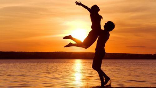 Идеальных отношений не бывает. Если женщина безразлична мужчине