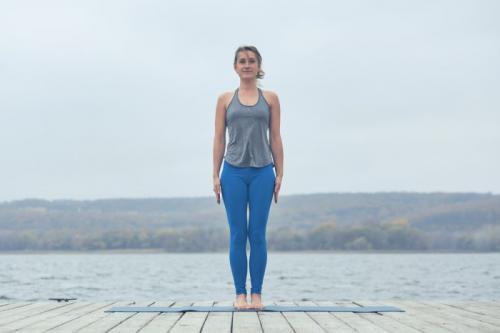Йога позы лежа. Позы йоги для начинающих в домашних условиях: 30 асан с картинками