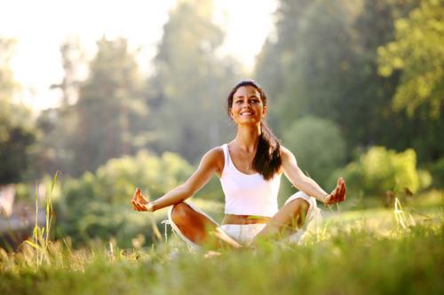 Что дает йога женщине. Комплекс упражнений йоги для женщин после 40, 50, 55 лет