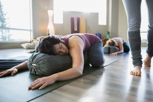 Йога. Основные асаны для начинающих — 30 поз йоги для новичков