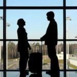 Текст о том почему всегда стоит встречать близких людей в аэропорту.