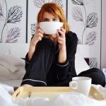 Проснулась внезапно.  Так захотелось сделать себе дежёонэ (Petit d Jeuner: чашечку ароматного кофе и круасан с конфитюром.